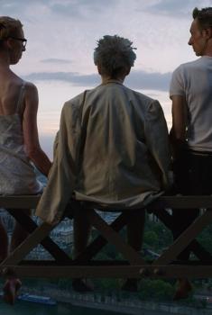 Paris pieds nus (2015)
